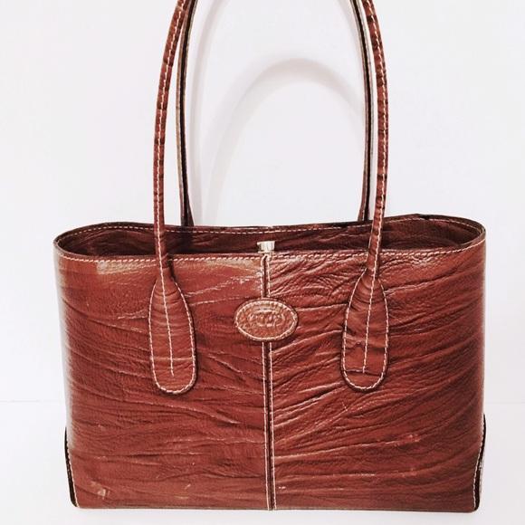9b69959dc8f Tod's Brown Leather Textured D-Bag Tote Handbag. M_5ba877b8a5d7c69f3caa4b56